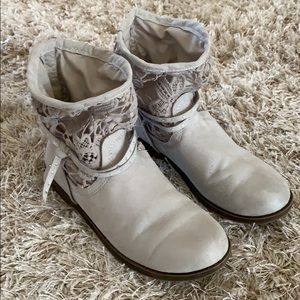 Girls' JUSTICE Gray Suede Like Boots - Size 2
